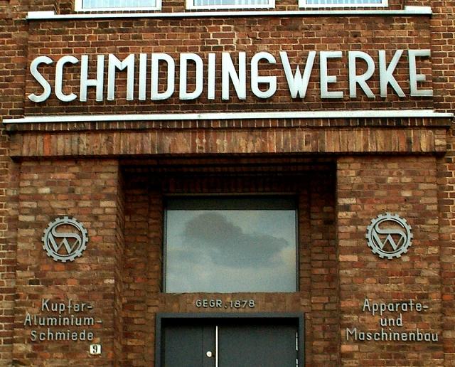 Schmiddingwerke_Kupfer-Aluminium-Schmiede_Apparate-_und_Maschinenbau_Göttinger_Chaussee_9_Hannover-Ricklingen_Schriftzüge_Verwaltungseingang